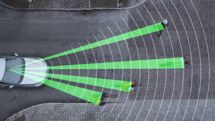 [IT`s CAR]자전거 안심하고 타세요…볼보 `사이클리스트 감지시스템`