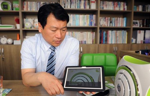 ▲ 김 대표는 '제품 개발 비용과 환율이 가장 큰 고민'이라고 설명한다.