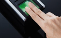 Two Smartphone Superpowers Postpone the Adoption of 'Fingerprint Recognition