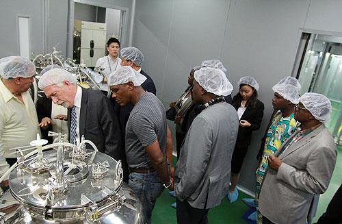 20개국 세계청소년부장관, (주)운화 공장 방문해 기술탐방