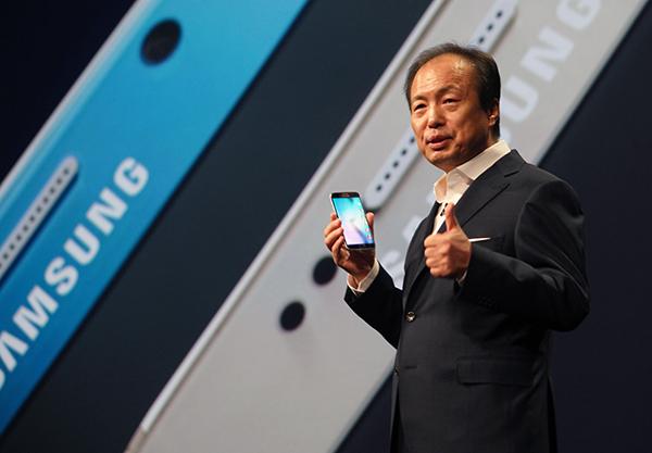 삼성 '갤럭시 S6・S6 엣지' 발표...다시금 하드웨어로 승부