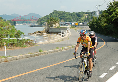 매일 5분씩만 자전거를 타도 다이어트에 도움이 된다.
