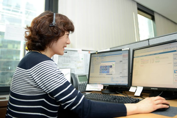 Voice recognition system that was developed with South Korean technologies was applied to KB Card's call centers.