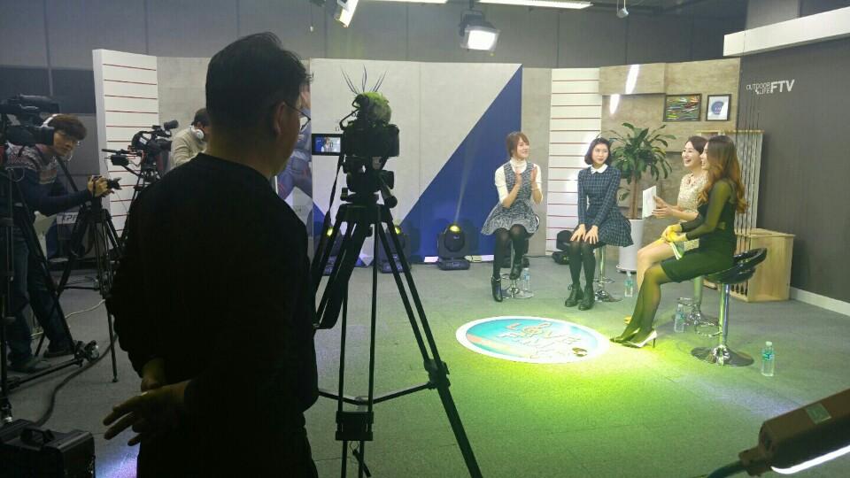 FTV '유나의 러브 F.M' 100회 특집, 로드걸 이서현·헤쎄(HEXE) 등 뮤지션 총출동