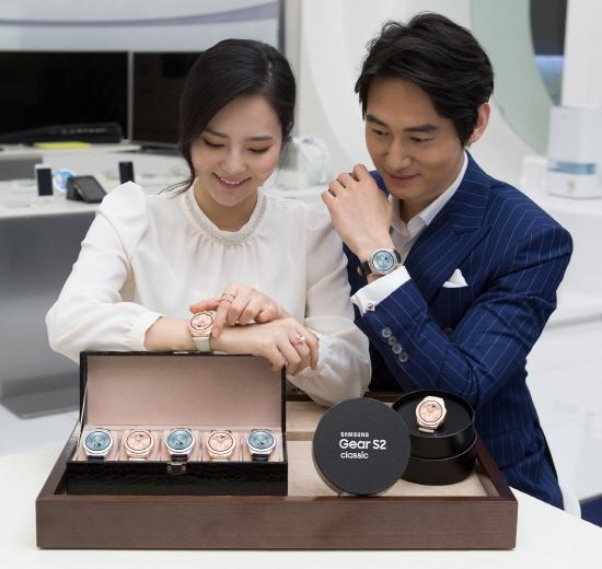 삼성 '기어S2 클래식' 1일 출시