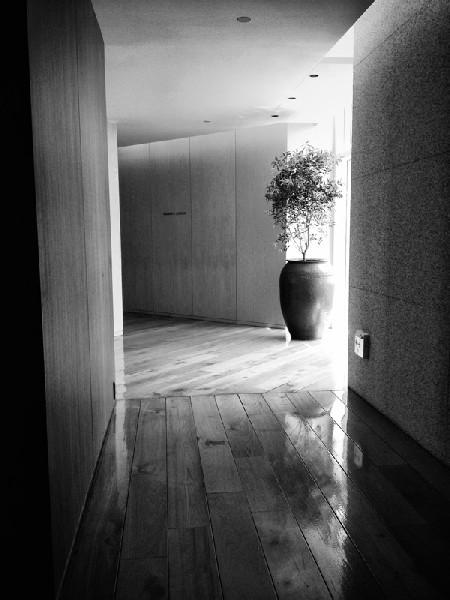 화장실 입구, 파크하얏트서울, 2012년 5월