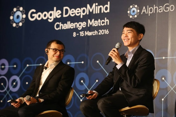 CEO Demis Hassabis of Google DeepMind (left) and Lee Se-dol  <Picture: Google>