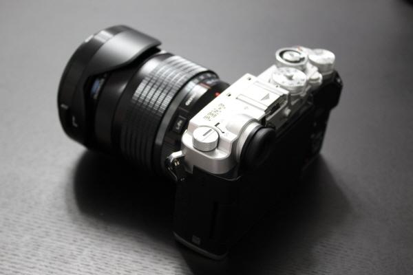 올림푸스 플래그십 미러리스 카메라 'PEN-F'