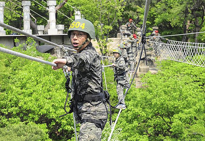 현대중공업그룹 임원, 해병대 극한 훈련