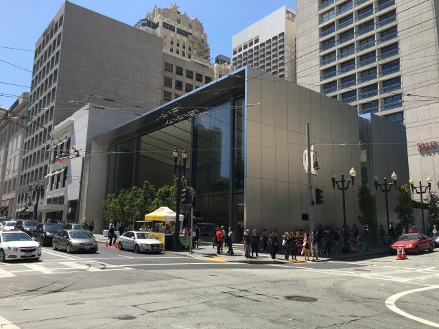 향후 애플 스토어의 방향성을 제시한 미국 샌프란시스코 애플 스토어 유니온 스퀘어점