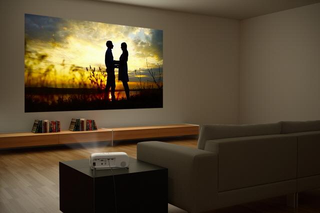 [버즈픽] 입문용 홈 프로젝터 구매 전 살펴야할 5가지
