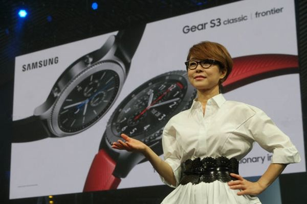 Vice-President Lee Young-hee of Samsung Electronics' Wireless Business Department is introducing Galaxy Gear S3 in Berlin on the 31st of August (in Berlin time).