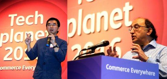 SK플래닛이 지난 17일, 삼성동 코엑스 그랜드볼룸에서 테크플래닛 2016을 개최했다. 알리바바 롱 진(왼쪽), IBM왓슨 살림 루코스이 기조연설을 하고 있다. 사진=SK플래닛 제공