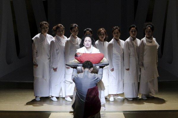 '트로이의 여인들' 스틸사진. 사진=국립극장 제공