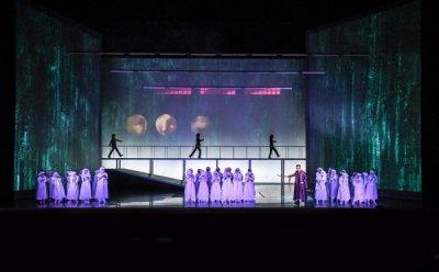 [ET-ENT 오페라] 예언에 흔들리는 불안하고 초조한 현대인의 자화상 '맥베드' (1)