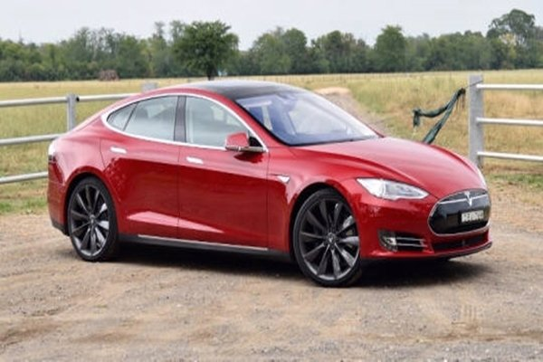 Tesla's Model S (Database from The Electronic Times)