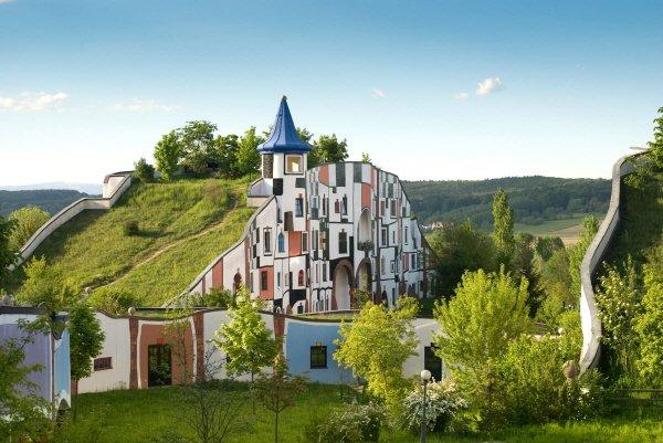 ARCH 100 블루마우 온천 휴양지. 사진=2016 Hundertwasser Archive, Vienna