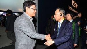 황창규 KT 회장, 윤부근 삼성전자 대표 만나다