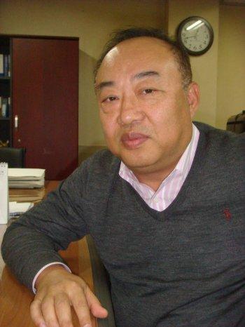 경남ICT협회 설립 의미에 대해 설명하고 있는 김효중 경남u-IT협회장.