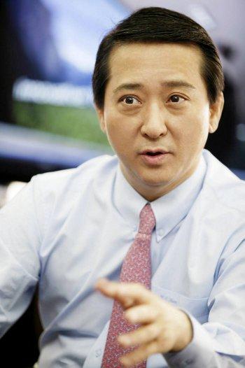 """권영수 LG유플러스 부회장 """"상품명 알기쉽게 다 바꿔라"""""""