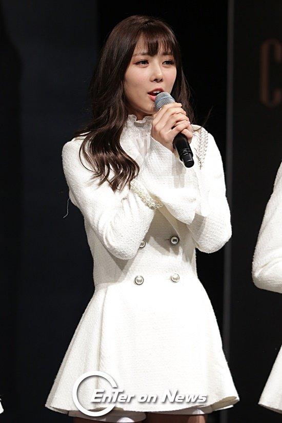 [ON포토] 드림캐쳐 유현, 밝은 미소로 무대 인사
