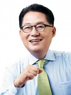 국민의당 새 대표, 호남 4선 박지원…`호남당` 이미지 굳어져