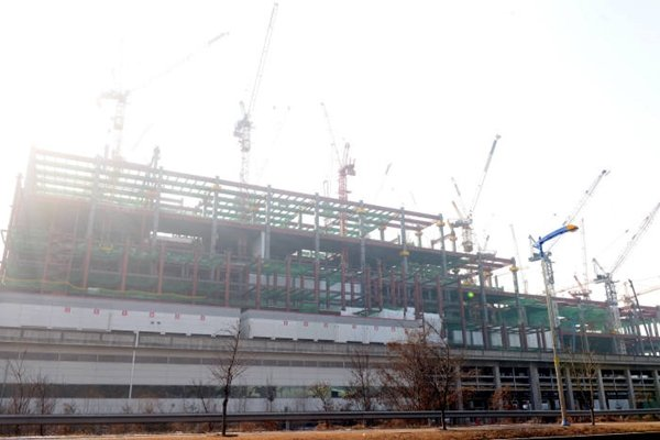 LG Display's P10 that is being constructed in Paju and is expected to be built by second quarter of 2018 (Picture = The Electronic Times' database)