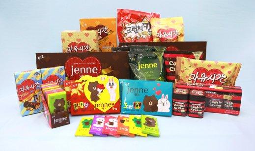 해태제과의 초콜릿 제품들이 젊어졌다. 밸렌타인데이(발랜타인데이)를 맞아 크기는 줄이고 맛과 디자인은 여성들의 취향에 맞춰 화사하게 변신했다. 사진=해태제과 제공
