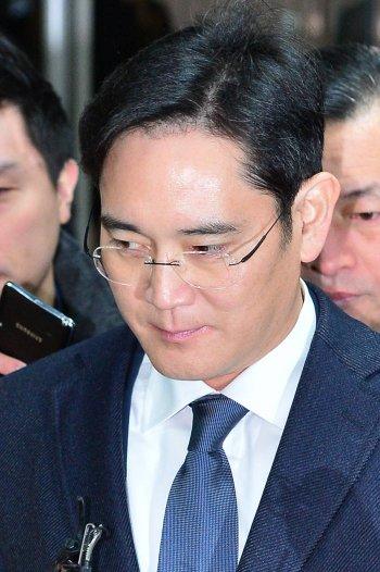이재용 부회장 구속에 삼성그룹주 흔들…낙폭 적어 CEO리스크 최소화 예상