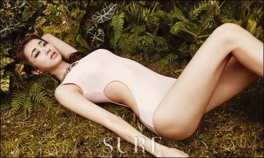 정글의 법칙 경리, 아찔한 누드톤 수영복...'치명적 섹시미'