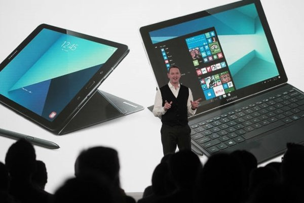 Chief Marketing Officer David Lowes of Samsung Electronics Europe is introducing Samsung Electronics' new premium tablet called 'Galaxy Tab S3' and 'Galaxy Book'.