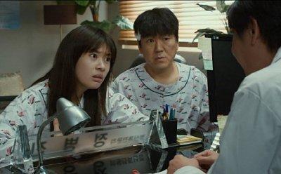 [ET-ENT 영화] '아빠는 딸' 과하지 않고 디테일 강한 연기를 펼친 정소민의 발견