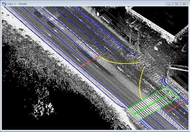 그림6. MMS(Mobile Mapping System)를 이용하여 취득한 점군 데이터 가시화 화면. 각종 센서를 탑재한 차량을 주행하면서 지도 데이터를 생성한다.