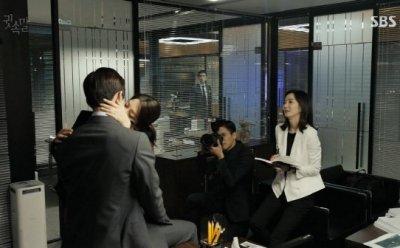 [ET-ENT 드라마] '귓속말'(8) 박세영이 이상윤과 키스할 것임을 미리 권율에게 말했더라면?