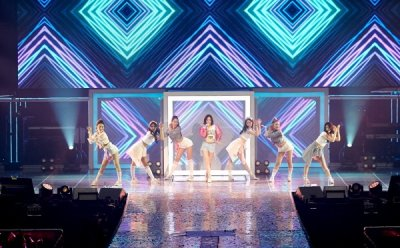 "[ET-ENT 스테이지] '태연 솔로 콘서트-페르소나'(3) ""널 좋아한 모든 날이 좋았다"""