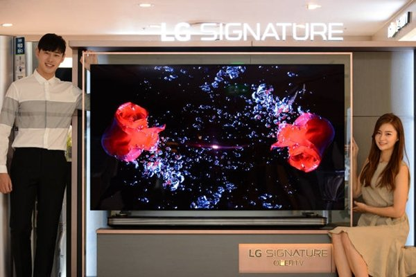 LG Electronics released 77-inch 'LG Signature OLED TV W' in South Korean market.