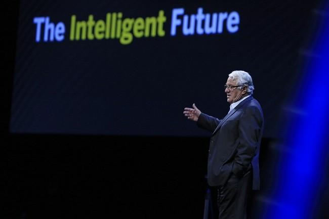 하소 플래트너(Hasso Plattner) SAP 경영감독위원회 의장은 기조연설을 통해 SAP가 제시한 인텔리전트 엔터프라이즈로의 변화를 공개했다.