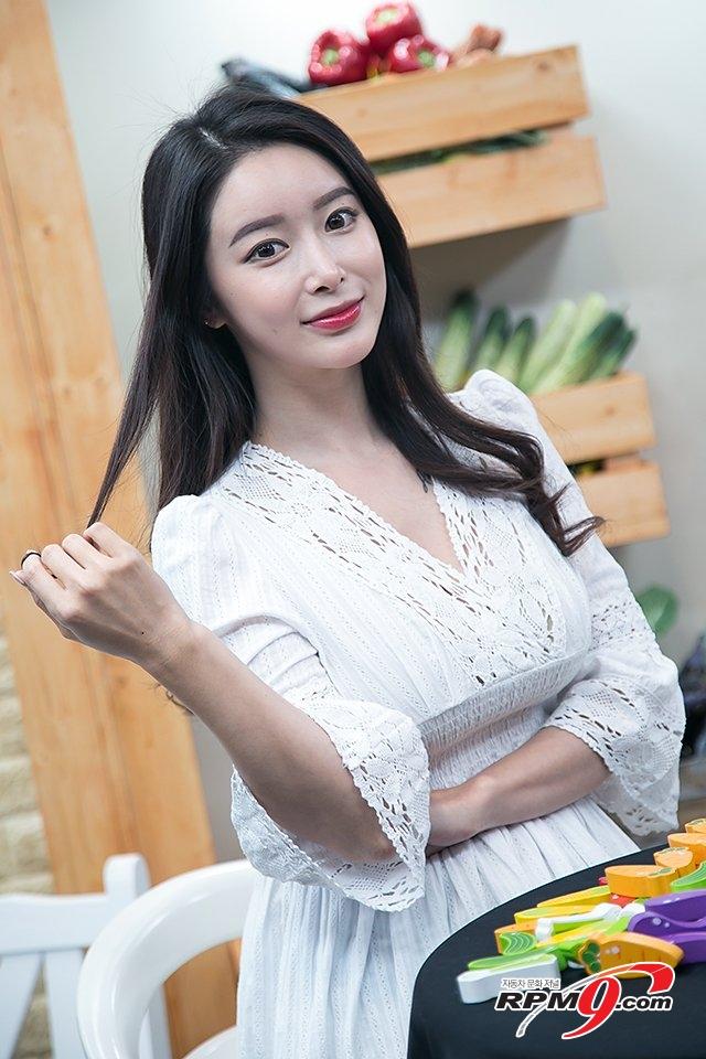 [포토] KOBA 2017, 컴패니언 모델 소이 '뚜렷한 이목구비 예쁜 미소'
