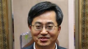 [文 정부 인사 가속]'유능한 정통 관료' 김동연 경제부총리 후보자, 경기 회복·일자리 최우선 과제