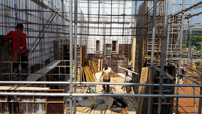 RC조(철근콘크리트조)공법의 철근배근과 거푸집 사진 (자료출처 :아크아키텍건축 / 꿈애하우징)