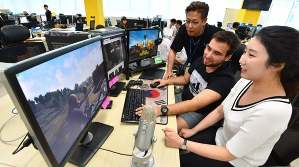 As 'Battlegrounds', which is an online game developed by Bluehole, is becoming more popular in North America, there is a higher chance that it will become one of international eSports games.