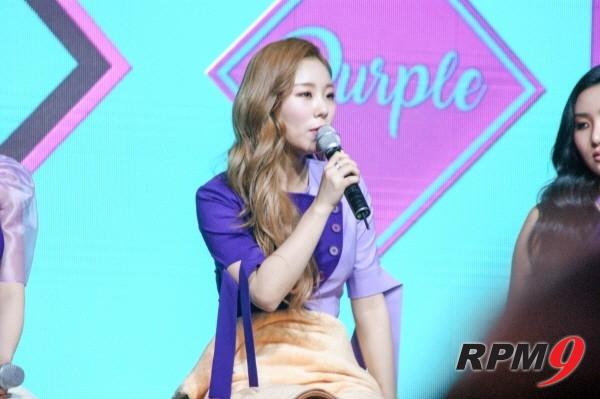 22일 오후 4시 서울 홍대 무브홀에서는 마마무의 다섯 번째 미니앨범 'purple(퍼플)' 발매기념 쇼케이스가 열렸다. 멤버 휘인이 질문에 답하고 있다. (사진=박동선 기자)