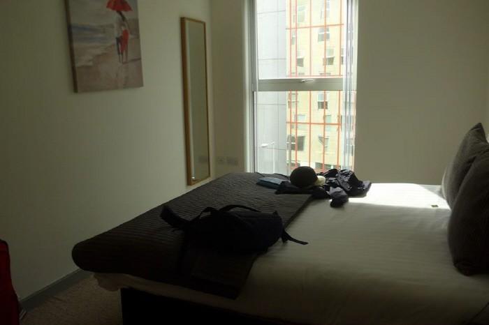 아파트 침실