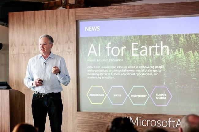 지구 환경 AI 프로젝트를 설명하고 있는 에릭 호르비츠 마이크로소프트 기술 펠로우 겸 마이크로소프트연구소 총괄