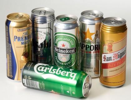 대형마트에서 수입 맥주 가운데 일본과 중국 맥주의 약진 덕에 아시아 맥주의 판매가 증가하고 있느 것으로 나타났다. 롯데마트가 올해 세계 맥주 판매 현황을 집계한 결과, 유럽 맥주의 매출은 줄어든 반면 아시아 맥주의 매출은 증가했다고 밝혔다. 사진=롯데마트 제공