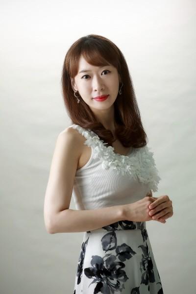첼리스트 예슬의 빵집콘서트 '냉정과 열정사이' 신소이(재즈보컬리스트). 사진=루비뮤직 제공