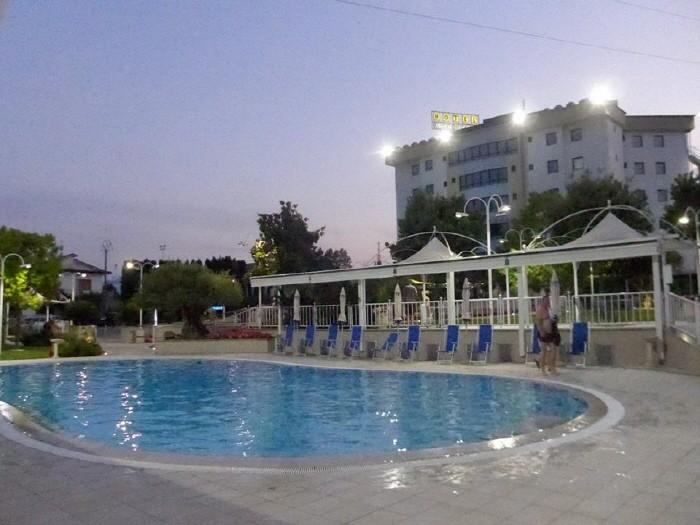 호텔수영장