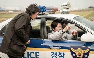 [ET-ENT 영화] '살인자의 기억법'(2) 촬영장과 영화에서 모두 최선을 다해 연기력을 펼쳐 보여준 김설현(설현), 시점을 달리해 표현한 미친 연기력 설경구