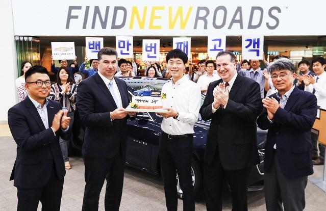 한국GM, 쉐보레 브랜드 도입 6년만에 100만대 돌파