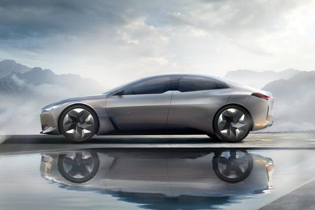 [2017 프랑크푸르트 모터쇼] BMW, 전기차 'i 비전 다이내믹스' 선보여